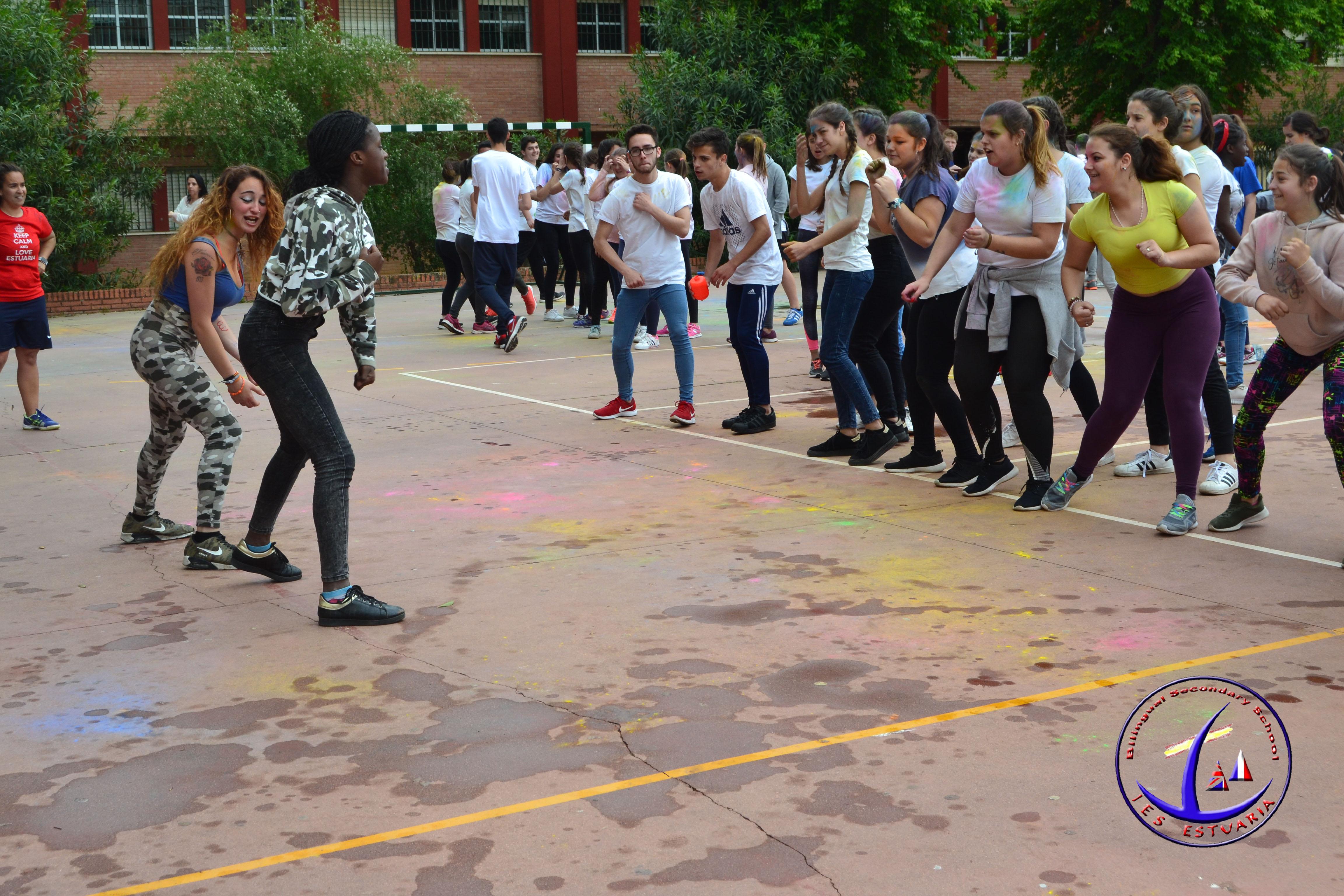 Colour party (holi festival) en el Estuaria