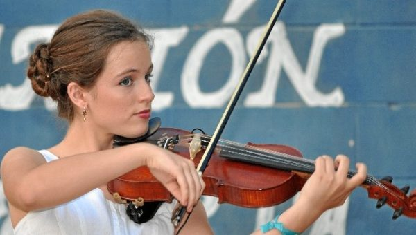 Entrevistas a dos antiguas alumnas que comienzan a triunfar en el mundo de la música